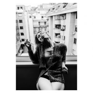 Balcony Smoking zwart wit poster