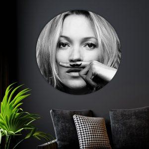 Aluminium Cirkel - Kate Moss Mustache