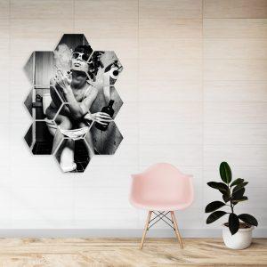Hexagon - Toilet Smoking